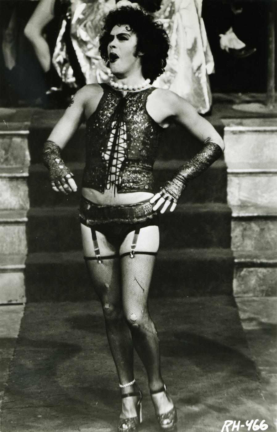 Transvestite leg show